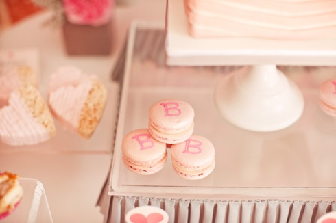 3-ribbons-ruffles-baby-shower-macaroons